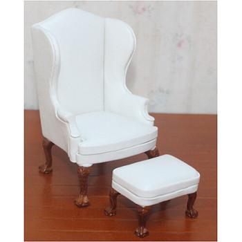 Кресло для кукол с пуфом Белое