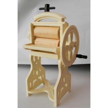 Стиральная машина старинная для кукольного домика