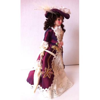 Кукла Дама в бордовом платье Миниатюра 1:12