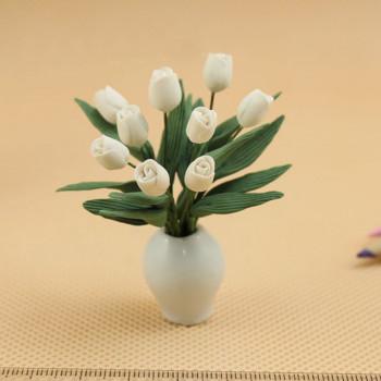 Тюльпаны белые для кукольного домика 1:12