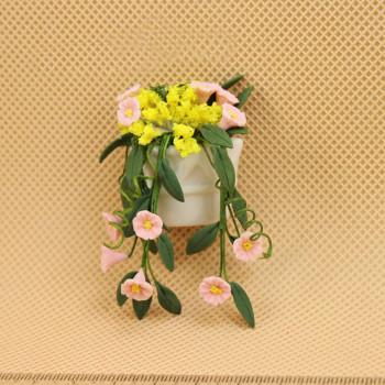 Цветы в настенном кашпо для кукольного дома 1:12